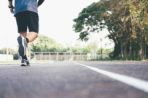hacer ejercicio en las calles durante la cuarentena