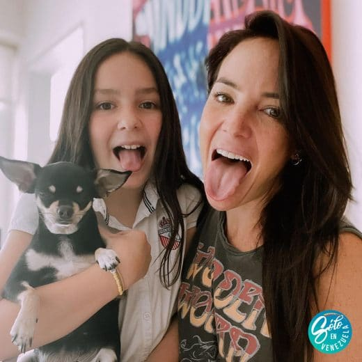Chantal Baudaux y su hija